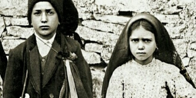 Fatima, the Catechism of Our Lady: Console God