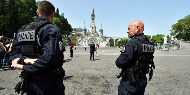 Lourdes: Explosion of Pickpocketing – FSSPX.Actualités / FSSPX.News