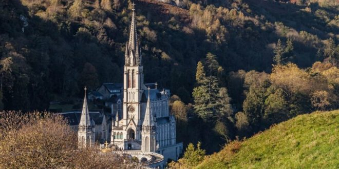 The Conference of French Bishops Takes Charge of Lourdes